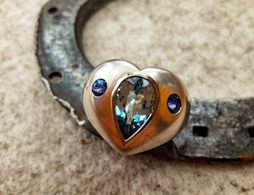 Ring aus Silber mit Aquamarin und Saphire in Weißgoldfassung